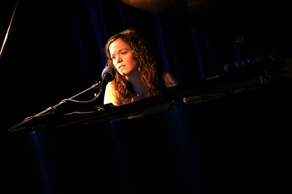 Allison Crowe in concert, NYC - Ben Strothmann photo
